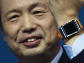 (Galaxy Gear Watch - Photo: Gero Breloer, AP)